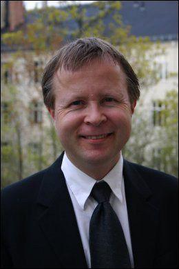 GRUNDIG: Professor Torbjørn Omland er leder for Campus Akershus universitetssykehus og nestleder ved Institutt for klinisk medisin ved Universitetet i Oslo. Foto: ANNE KARIN BRIGTSEN