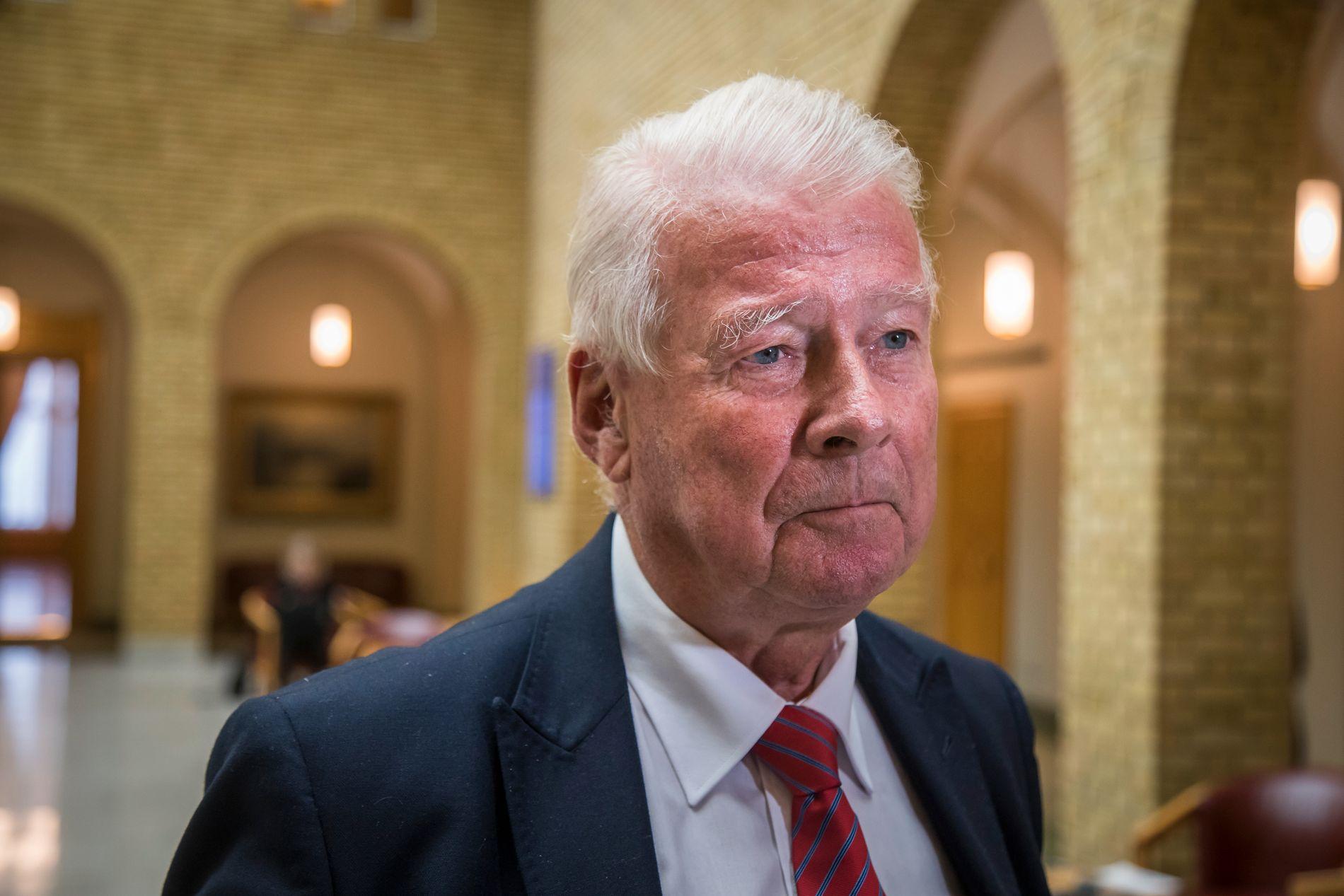 IKKE VALGBAR: Arbeiderpartiet, KrF, Venstre, Senterpartiet og SV har flere ganger bedt Fremskrittspartiet om å komme opp med en annen kandidat enn Carl I. Hagen til Nobelkomitéen. Han er som kjent vararepresentant til Stortinget.