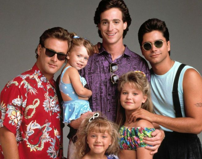 ORIGINALEN: Dave Coulier, Ashley Olsen, Bob Saget, John Stamos, Jodie Sweetin og Candace Cameron i 1989.