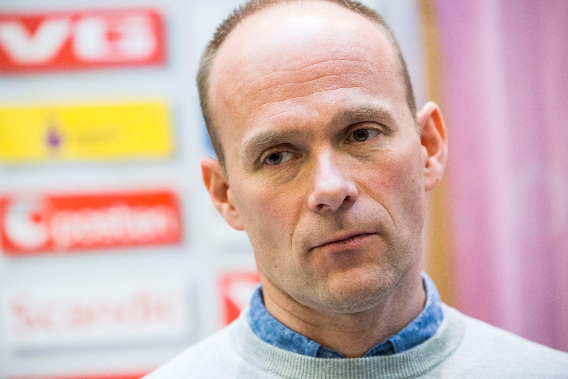 I FARE: Den rutinerte håndballtreneren Geir Oustorp skal etter planen ta over Larvik etter sesongslutt.