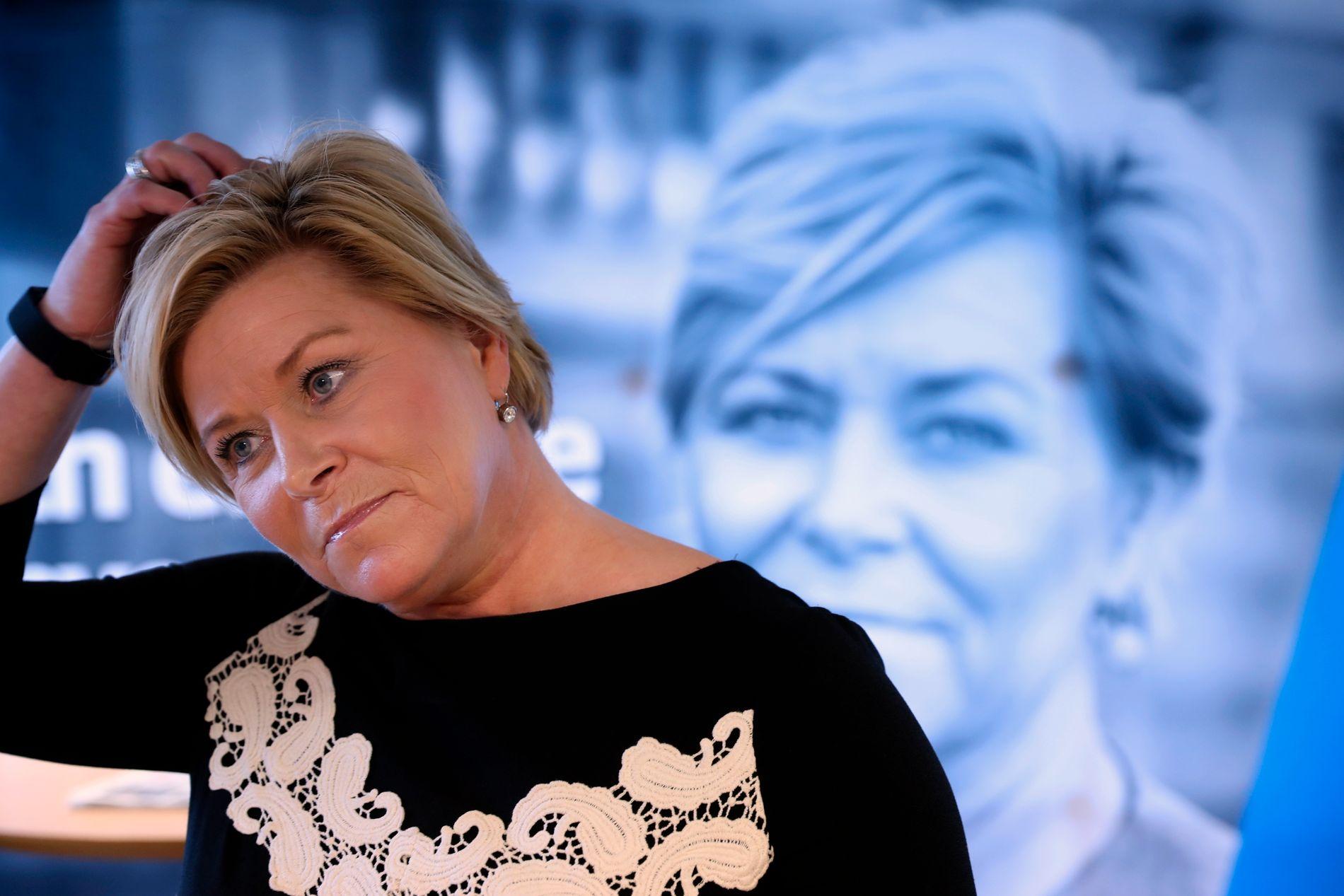 STRAMMER INN: Finansminister Siv Jensen og to andre statsråder varsler tirsdag at regjeringen strammer inn på markedsføringen av forbrukslån.