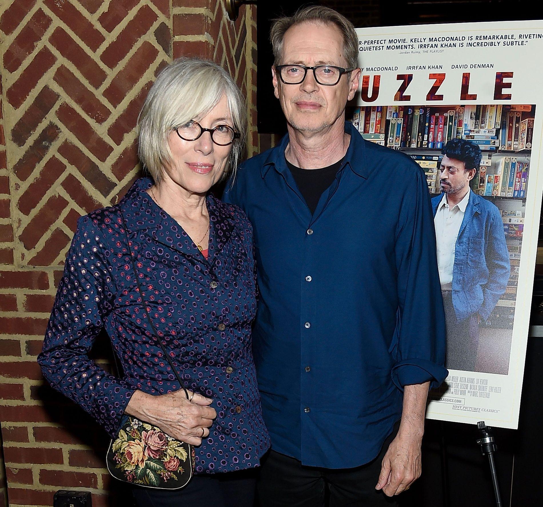 HALVT ÅR SIDEN: Steve Buscemi og Jo Andres på filmpremiere i New York sist sommer.