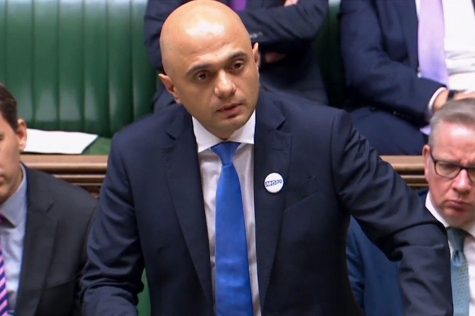 VIL HA RUSSLAND I TALE: Den britiske innenriksministeren Sajid Javid, her avbildet i Parlamentet torsdag, da han ga en oppdatering om det britiske paret utsatt for nervegass.