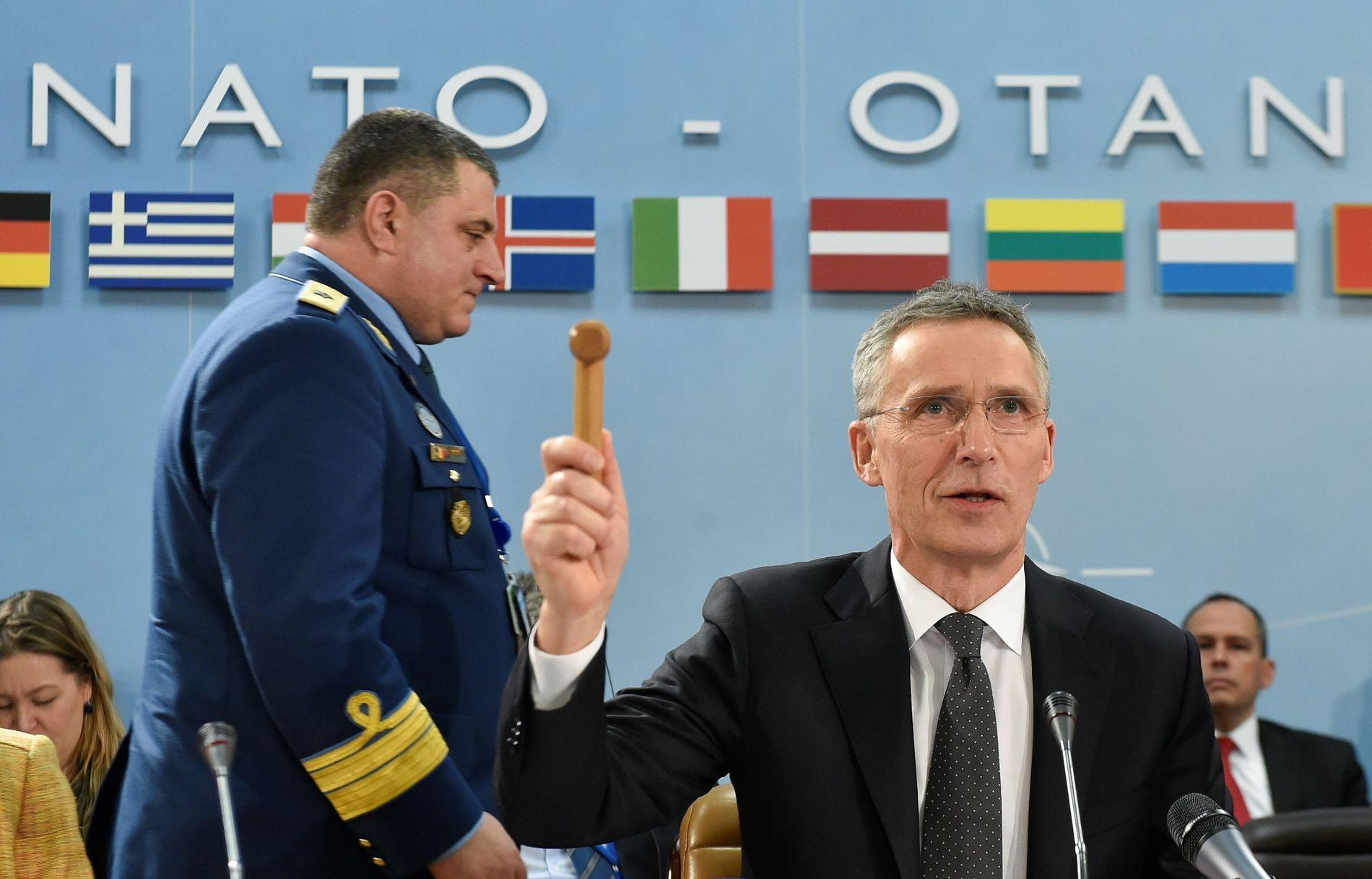 STARTSKUDD: NATO-sjef Jens Stoltenberg da han åpnet forsvarsministermøtet i Brussel denne uken.