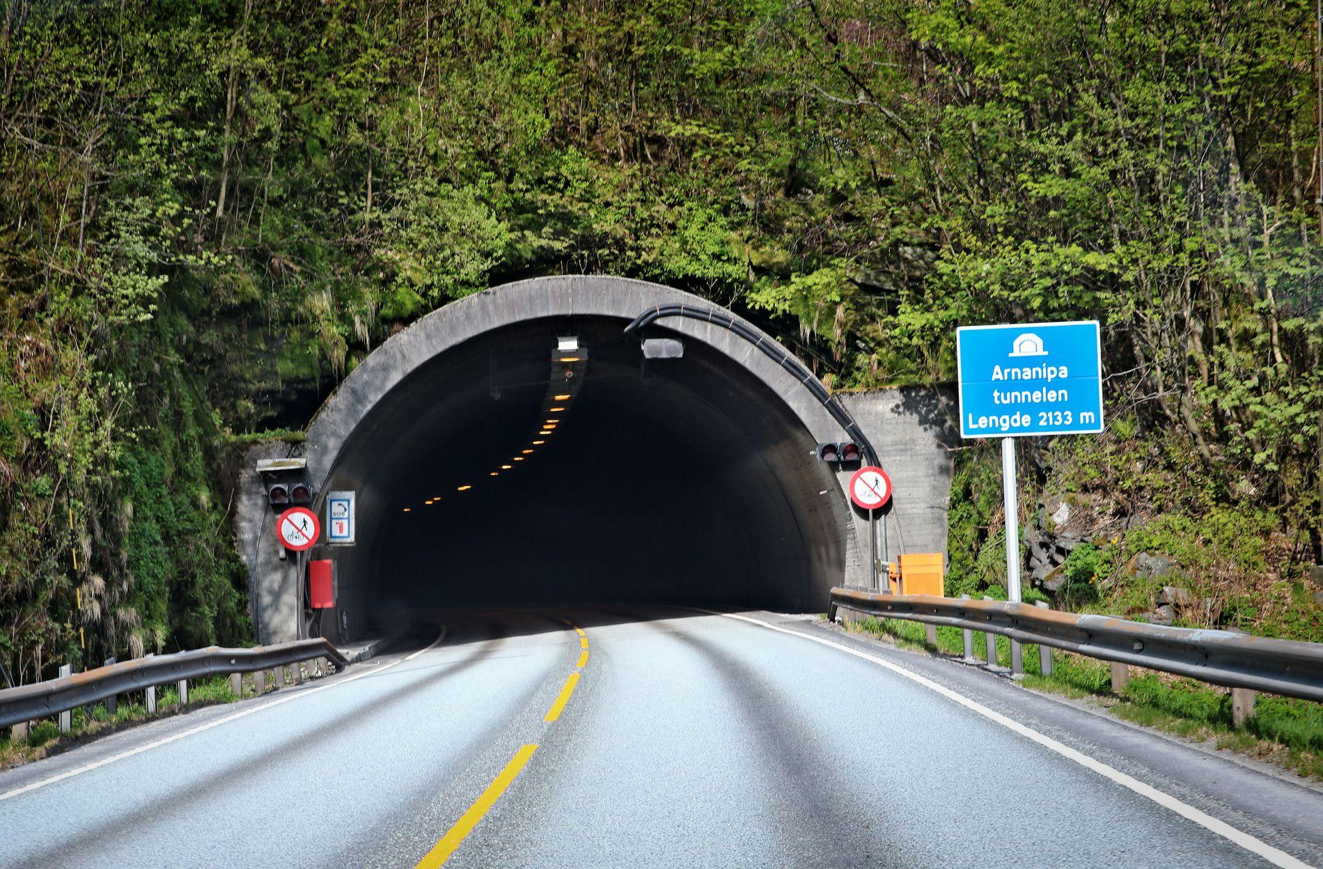 ULYKKESSTEDET: Det var i Arnanipatunnelen i Bergen at det gikk forferdelig galt i natt.