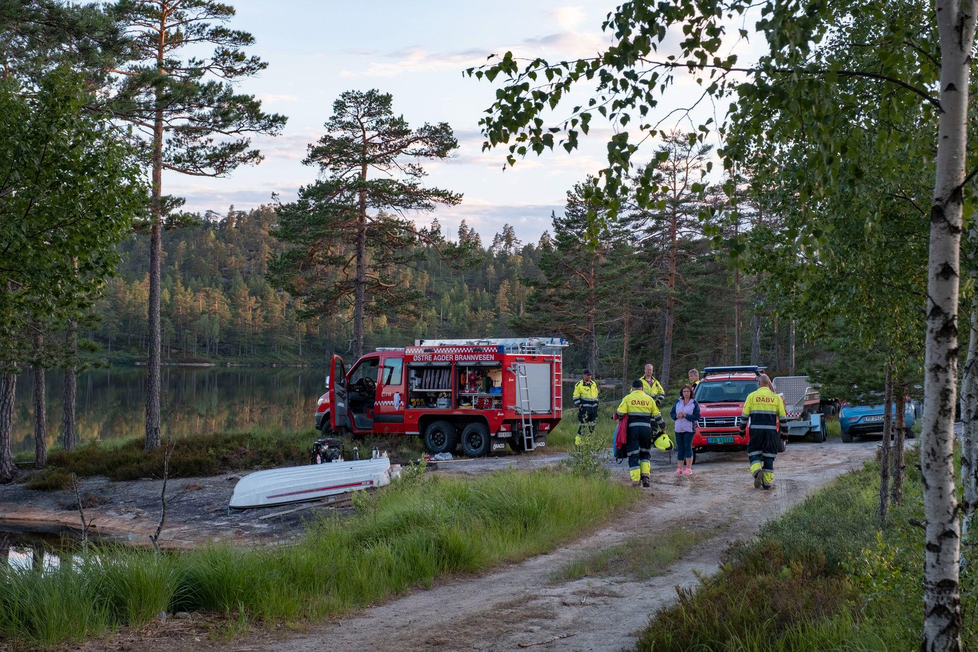 KONTROLL OVER SKOGBRANNENE: Brannmannskaper har onsdag kontroll over de mange skogbrannene som har herjet i Sør-Norge de siste dagene. Her fra Ytre Lauvrak i Froland kommune i Aust-Agder.
