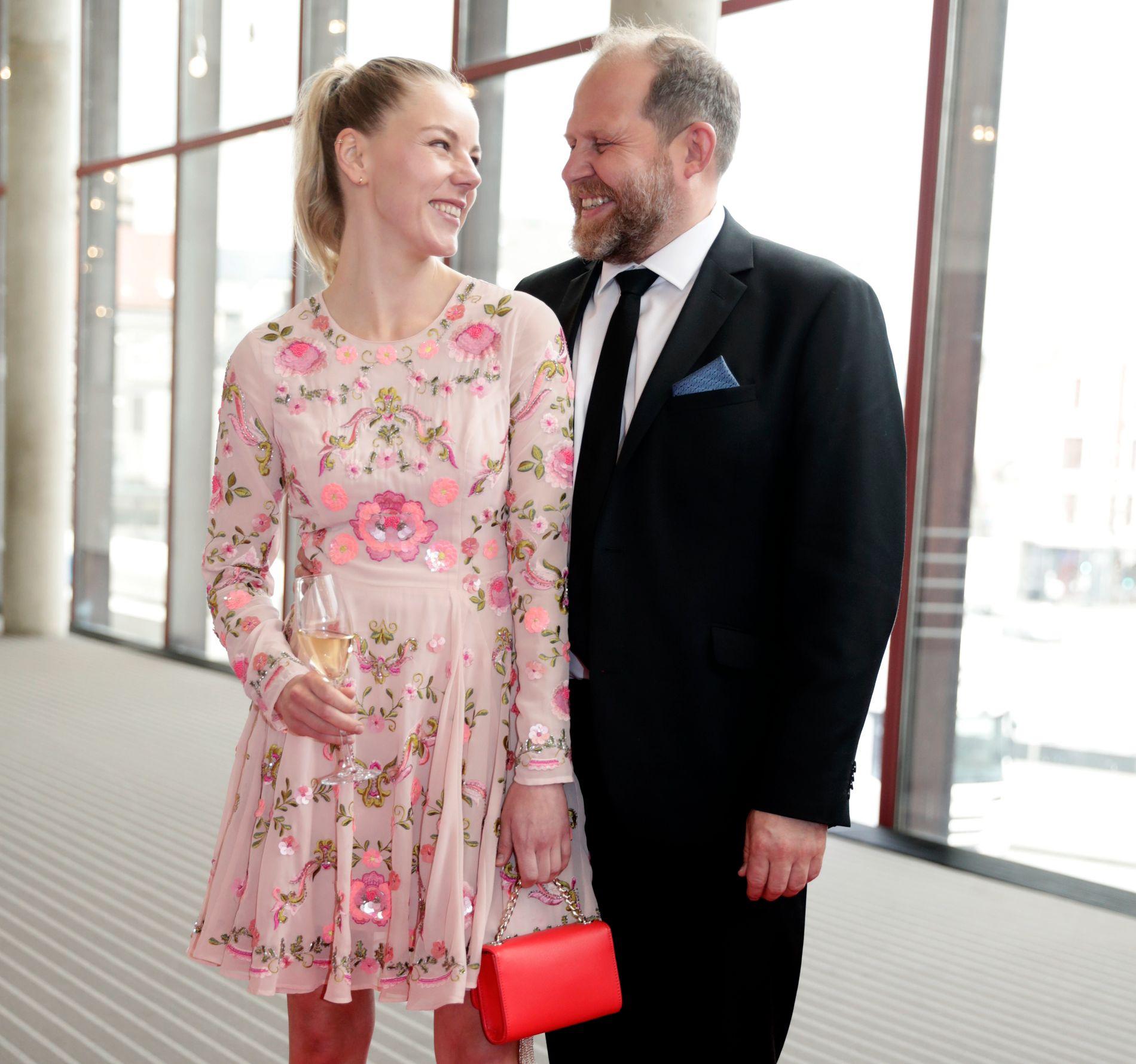 SAMMEN PÅ FEST: Truls Svendsen og kjæresten Charlotte Smith.