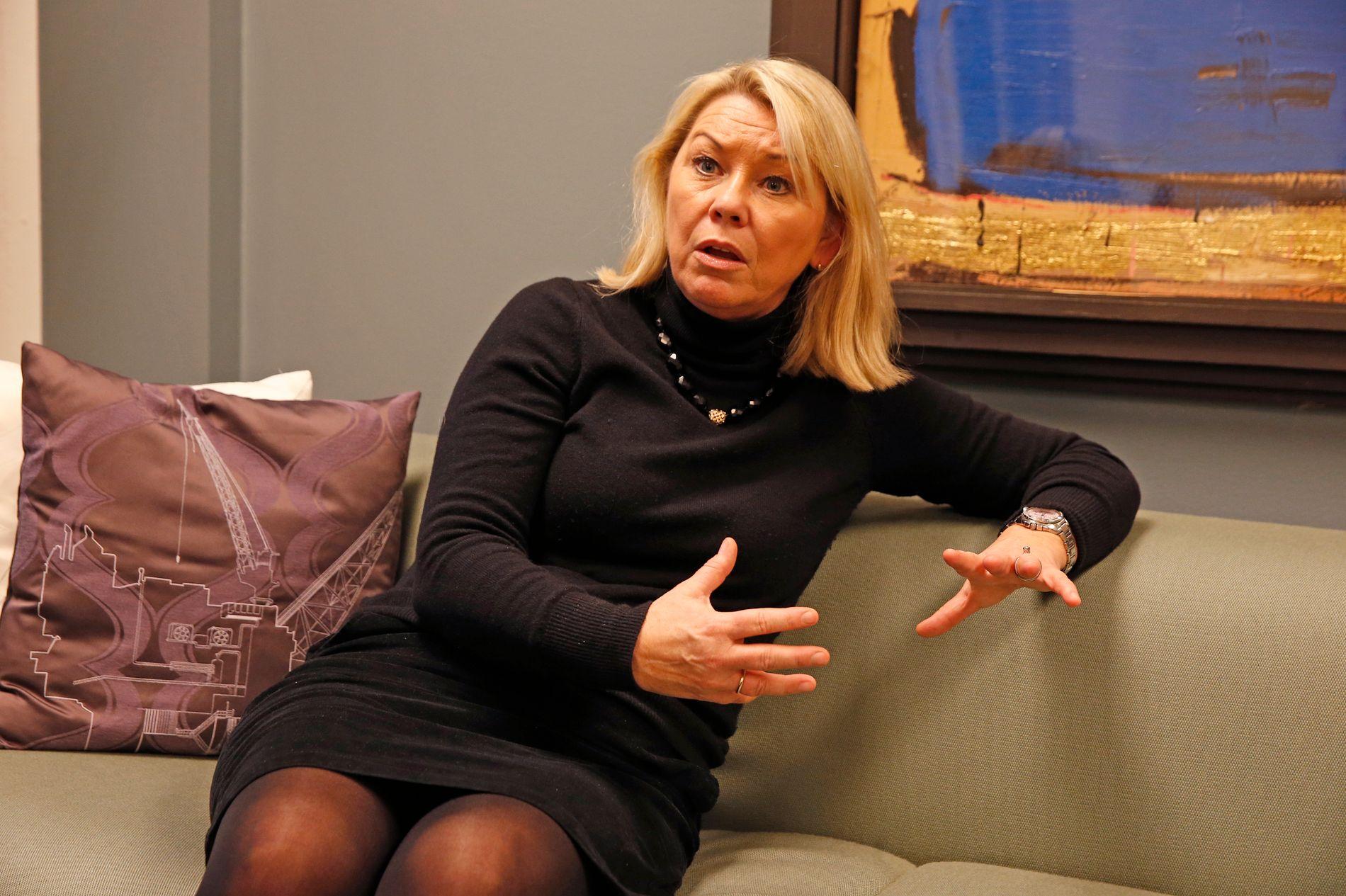 LOVER INGENTING: Statsråd Monica Mæland (H) sitter med den stadig tøffere sammenslåings-striden mellom Troms og Finnmark i fanget.