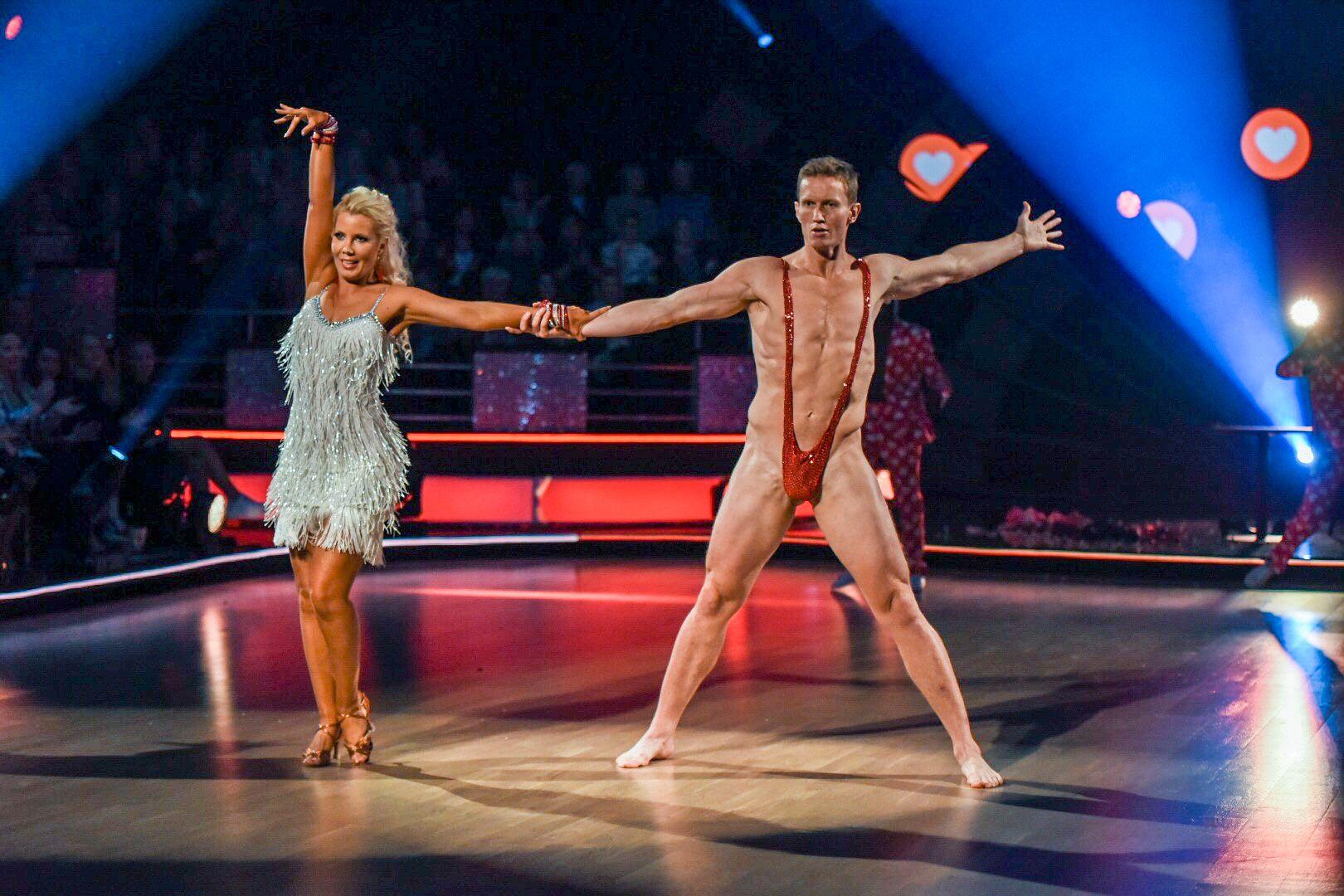 SKAPTE RABALDER: Dette stuntet, i regi av Frank Løke, skapte kraftige reaksjoner etter lørdagens «Skal vi danse».