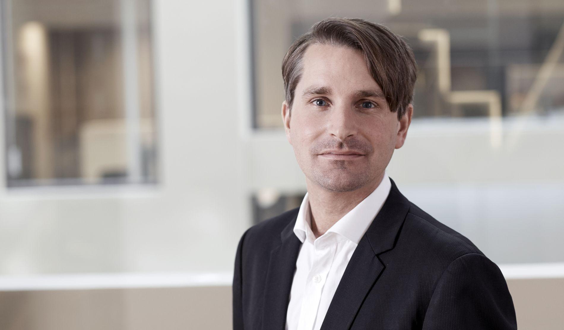SNAKKET SAMMEN: Finn Myrstad, fagdirektør for digitale tjenester i Forbrukerrådet, inviterte Max Schrems til Oslo for et par år siden. siden har de utvekslet mange erfaringer og gitt hverandre råd.