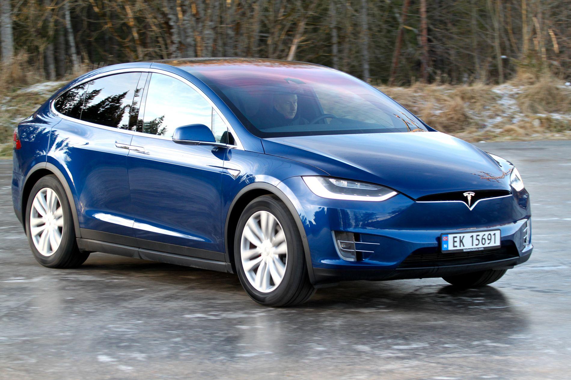 GLATTISEN: Tesla-kunder har opplevd forsinkelser på vinterhjul.