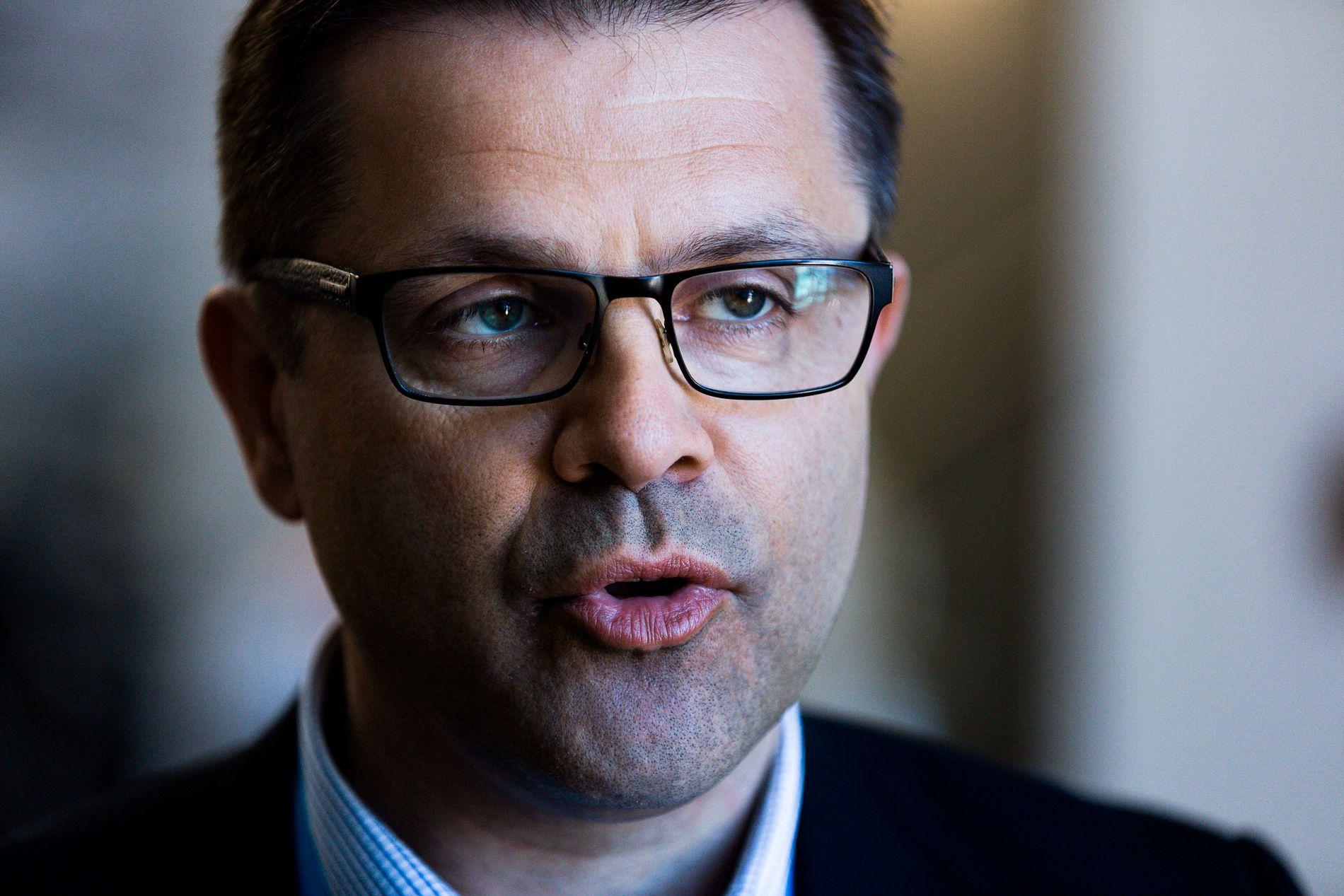 PINLIG: - Det kan ikke være sånn i et land som renner over av penger. Det er flaut, sier Frps fylkesleder Frank Sve i Møre og Romsdal.