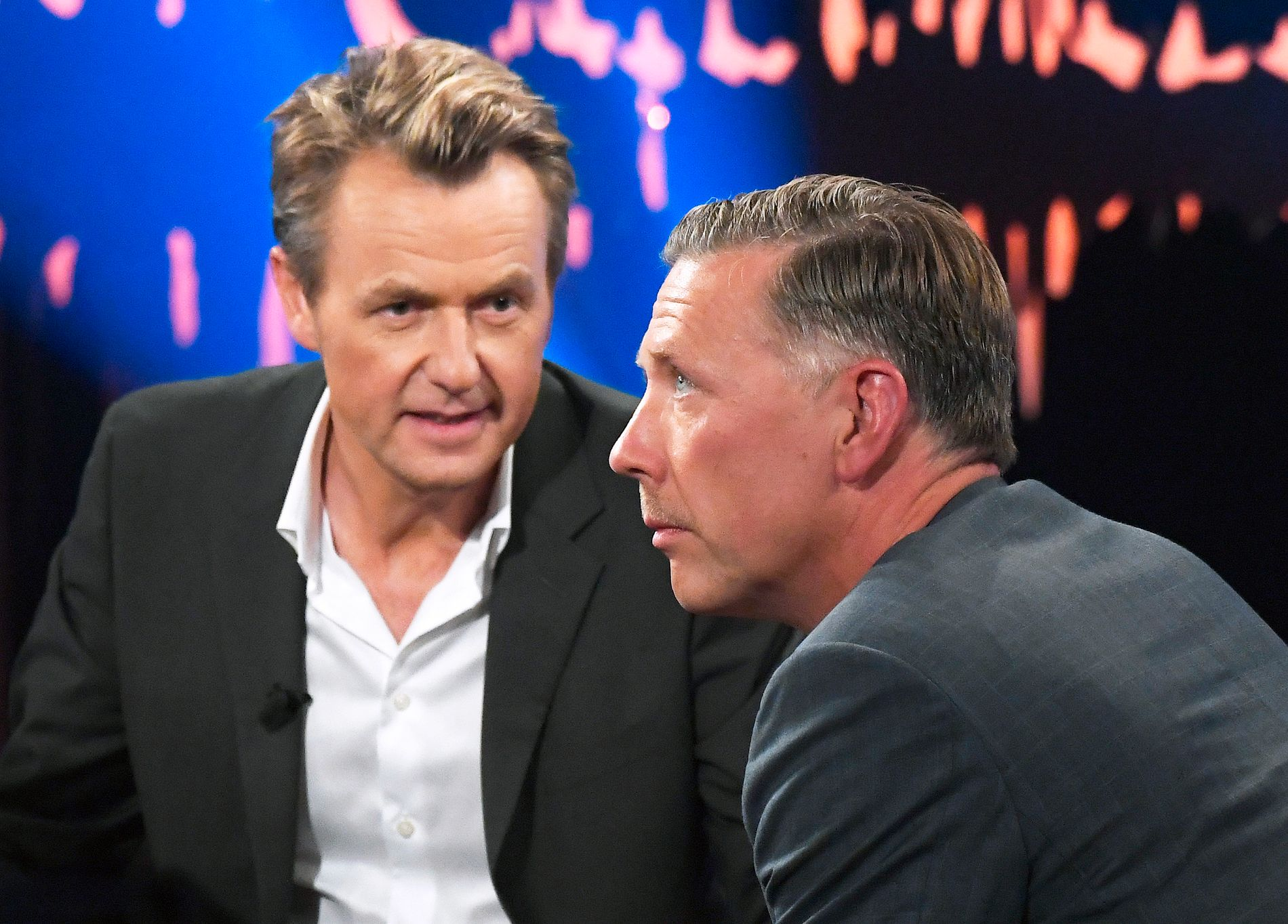 TALKSHOW-GJEST: Mikael Persbrandt besøkte Fredrik Skavlan i talkshowet i fjor. Det gamle sjalusidramaet var ikke tema.