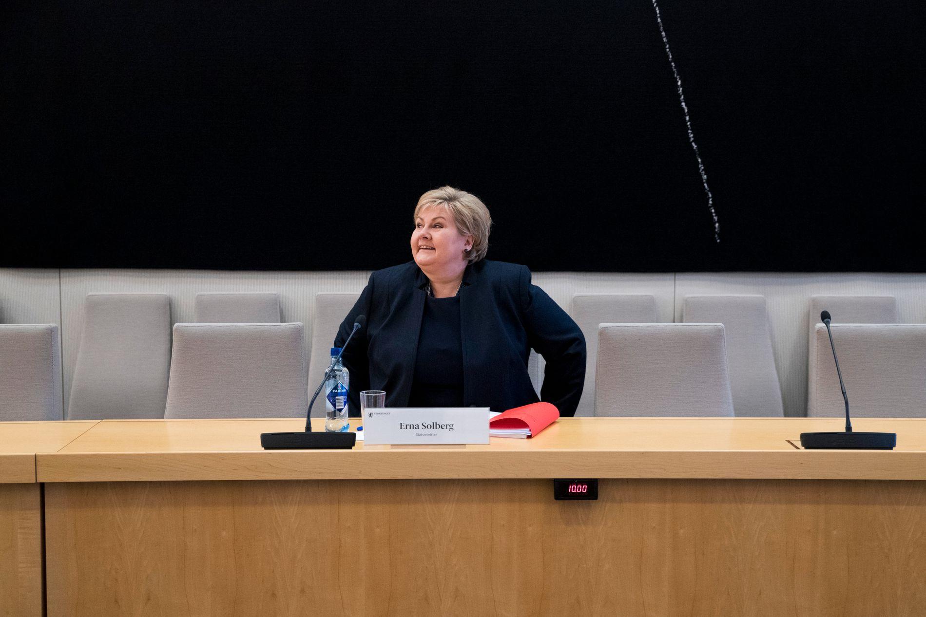 HØRING: Erna Solberg må møte i kontroll- og konstitusjonskomiteen mandag, i etterkant av Riksrevisjonens oppfølgingsrapport om manglende terrorsikring.