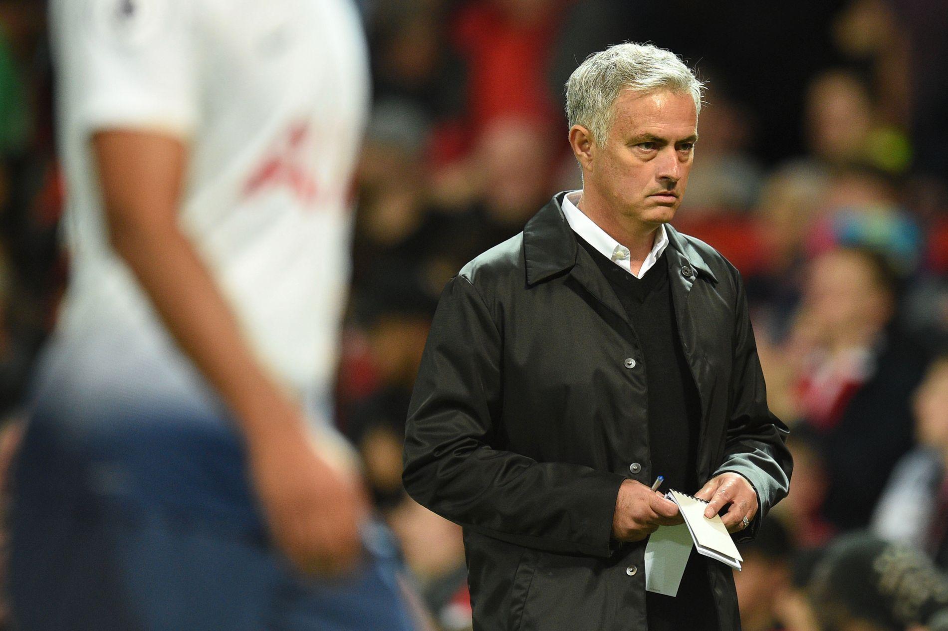 UFLYT:  José Mourinho og Manchester United har ikke fått en god start på sesongen. Her fra 0–3-tapet hjemme for Tottenham mandag - Mourinhos største tap i karrieren på hjemmebane.