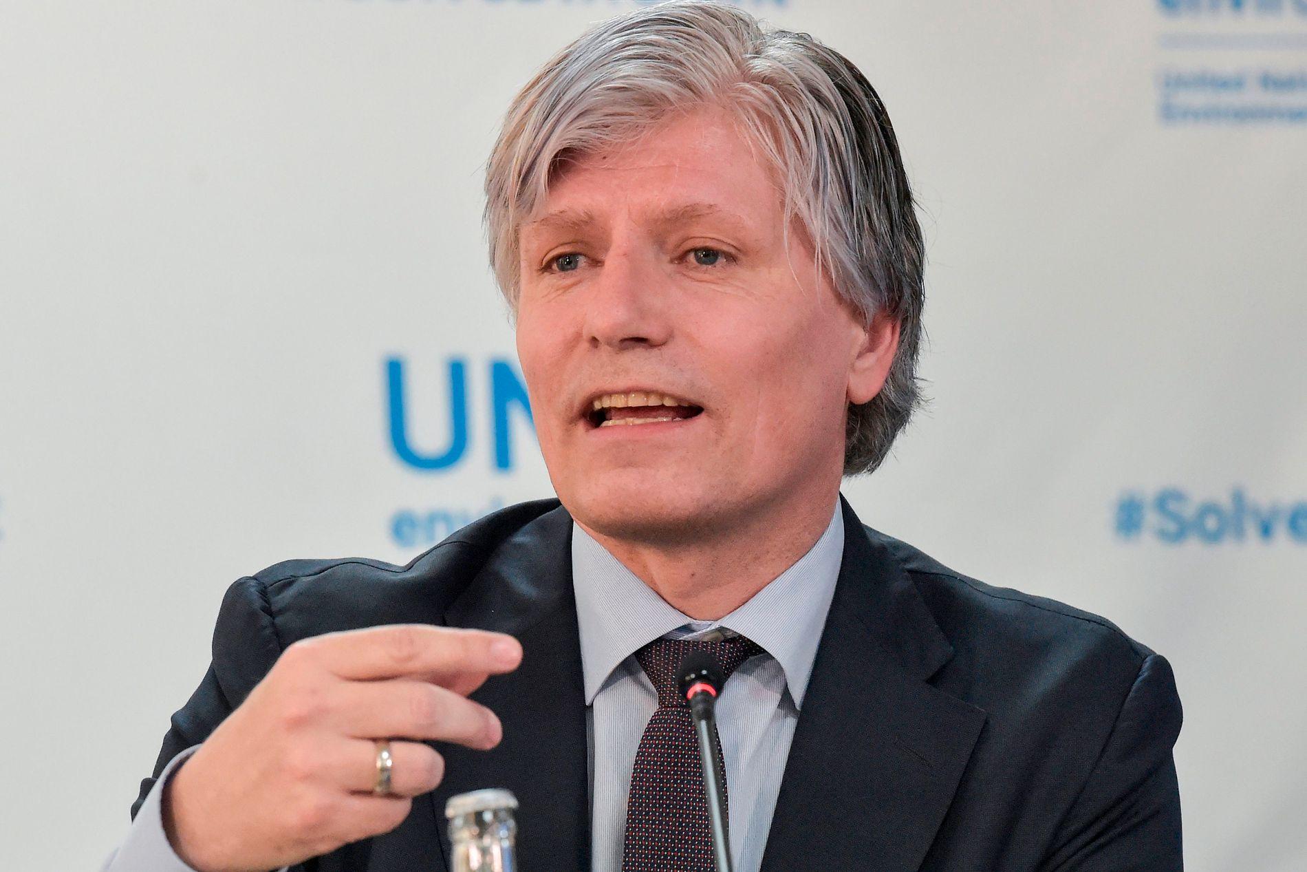SVARER: Klima- og miljøminister Ola Elvestuen.