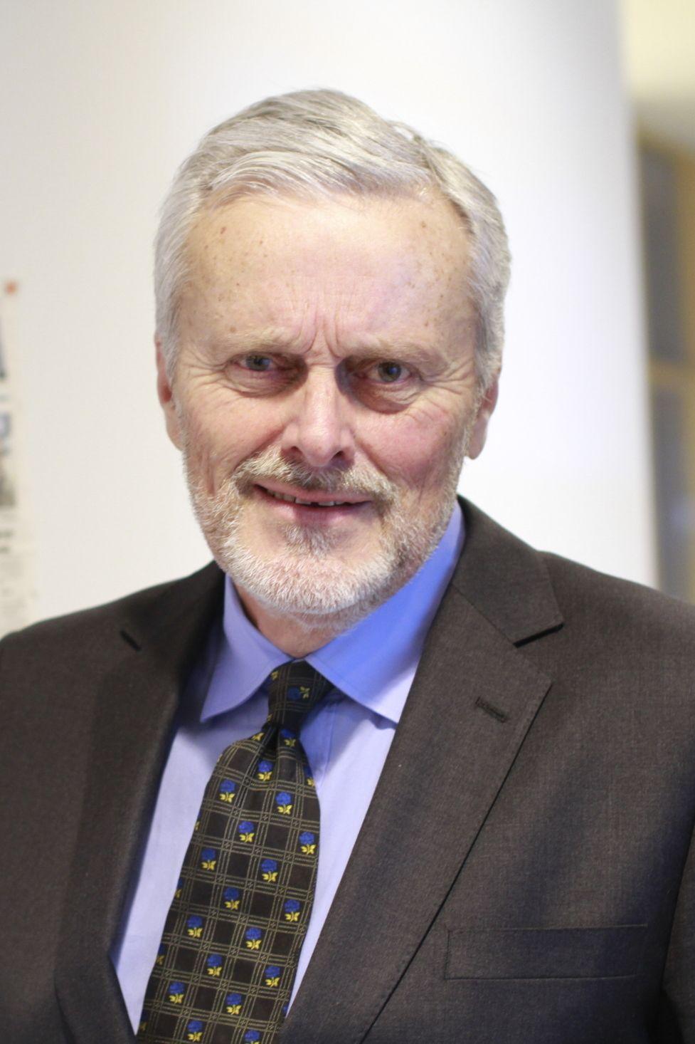 Dagligvareekspert Odd Gisholt, som nå har gått av med pensjon fra Handelshøyskolen BI.