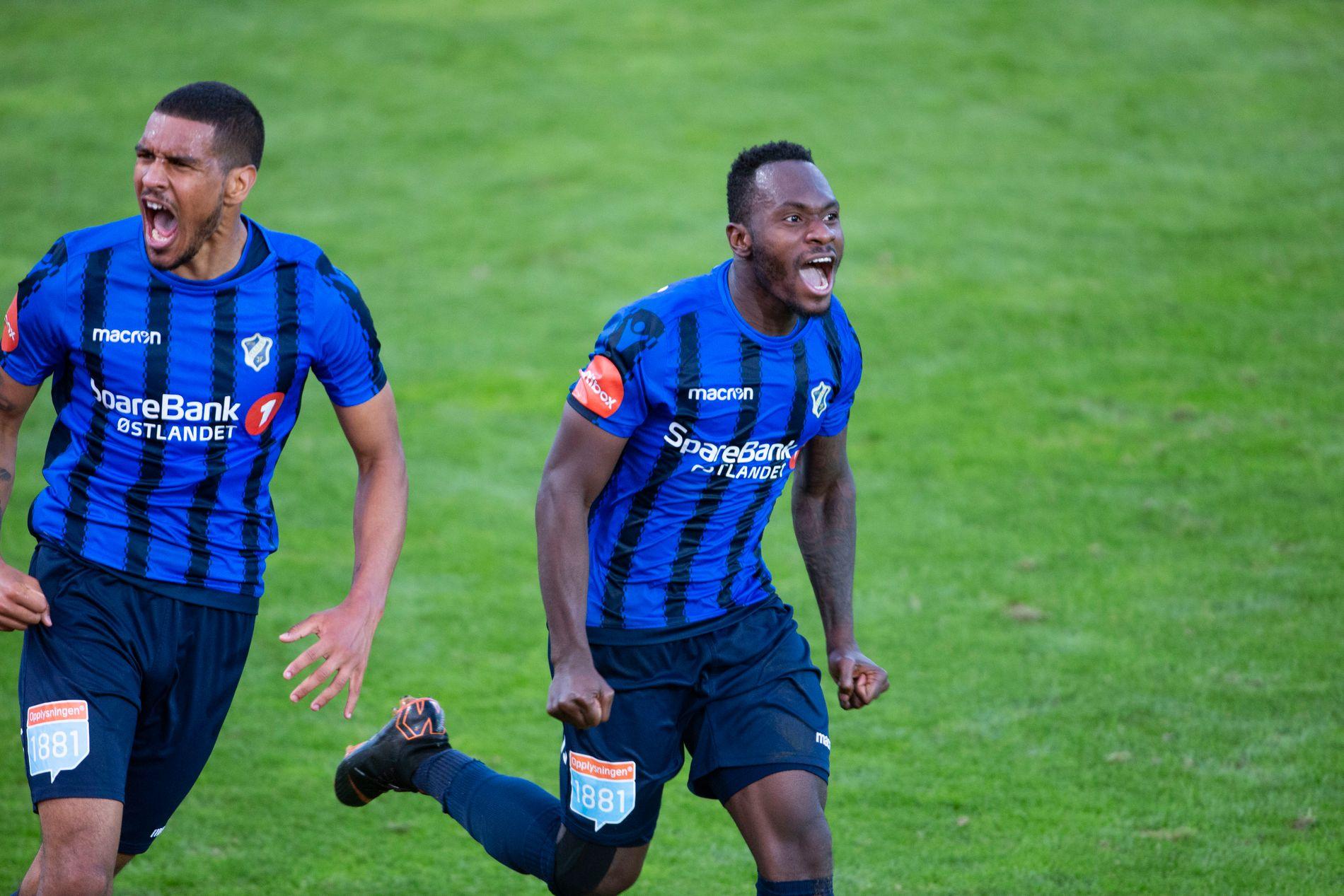 HETE: Ohi Omoijuanfo og Franck Boli har sammen sprudlet på topp for Stabæk denne sesongen.