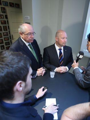 HØRING: Justis- og beredskapsminister Anders Anundsen (Frp) og komiteleder Martin Kolberg (Ap) i medienes fokus etter Stortingets åpne kontrollhøring lørdag.