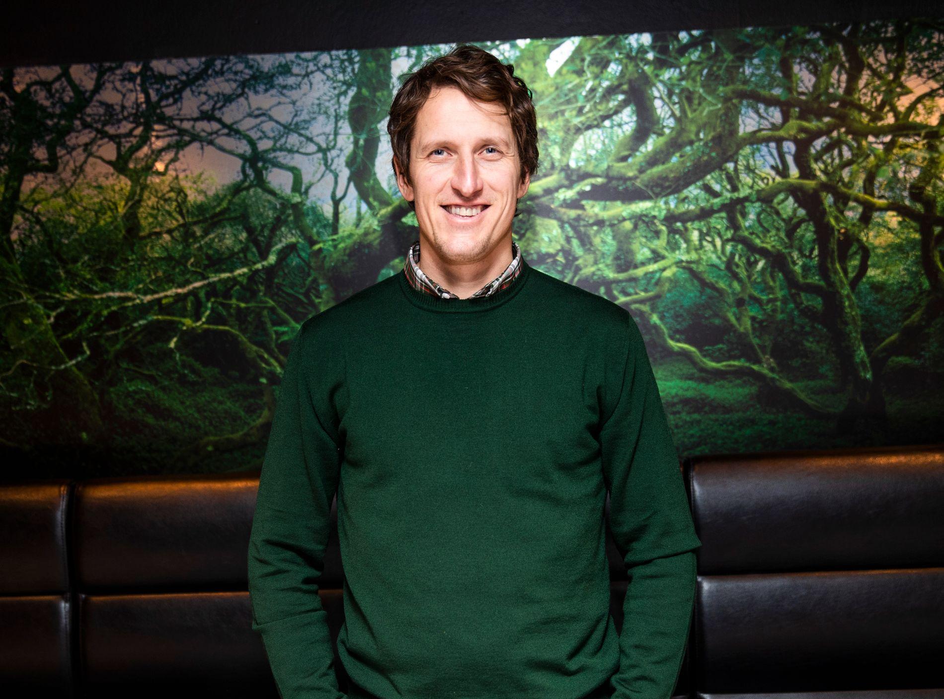 BUTIKKJOBB: Lars Berger har gått til en helt annen hverdag – nå jobber han på Spar.