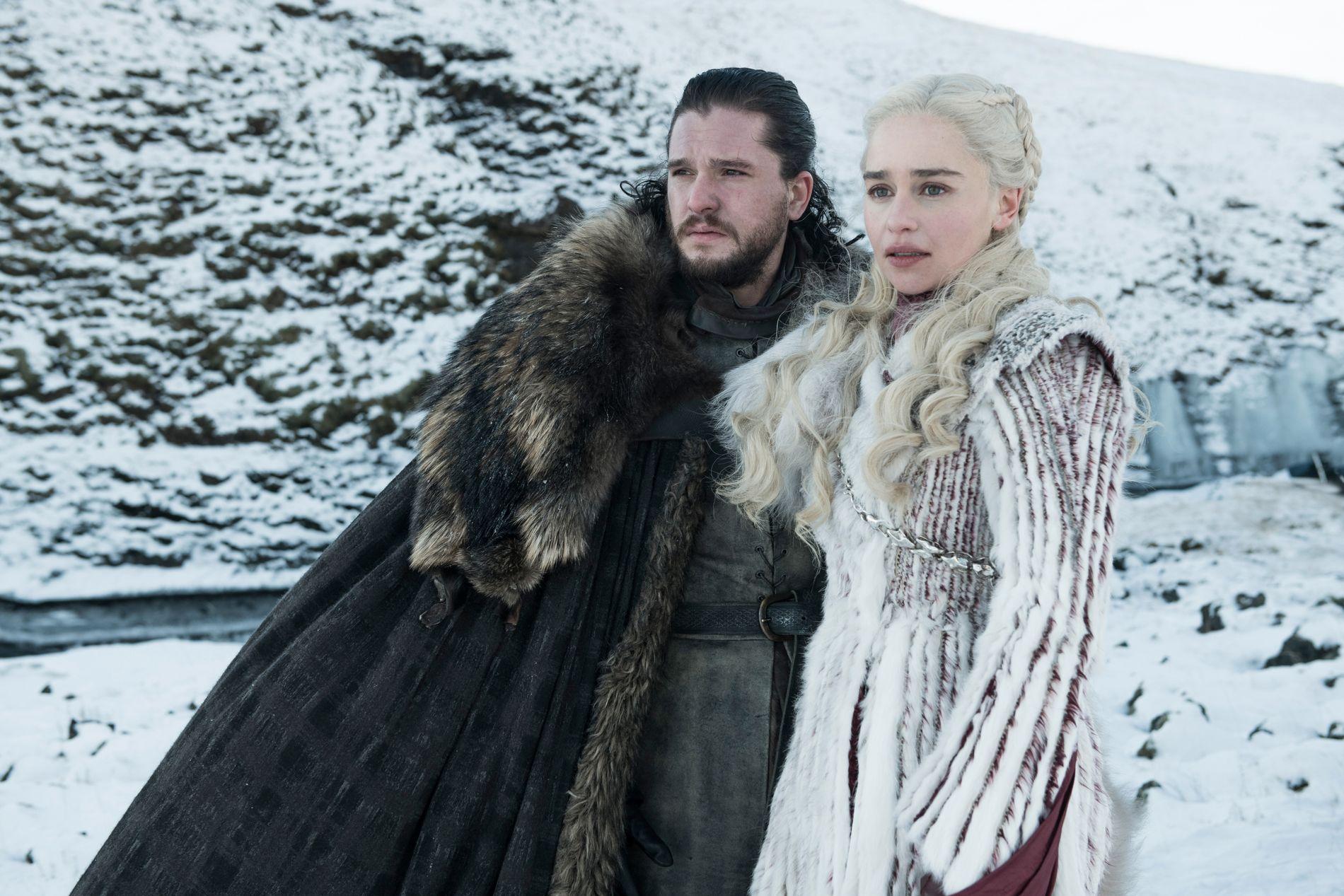 FORENER KREFTER: Kit Harington som Jon Snow og Emilia Clarke som Daenerys Targaryen i sesong 8 av Game of Thrones.