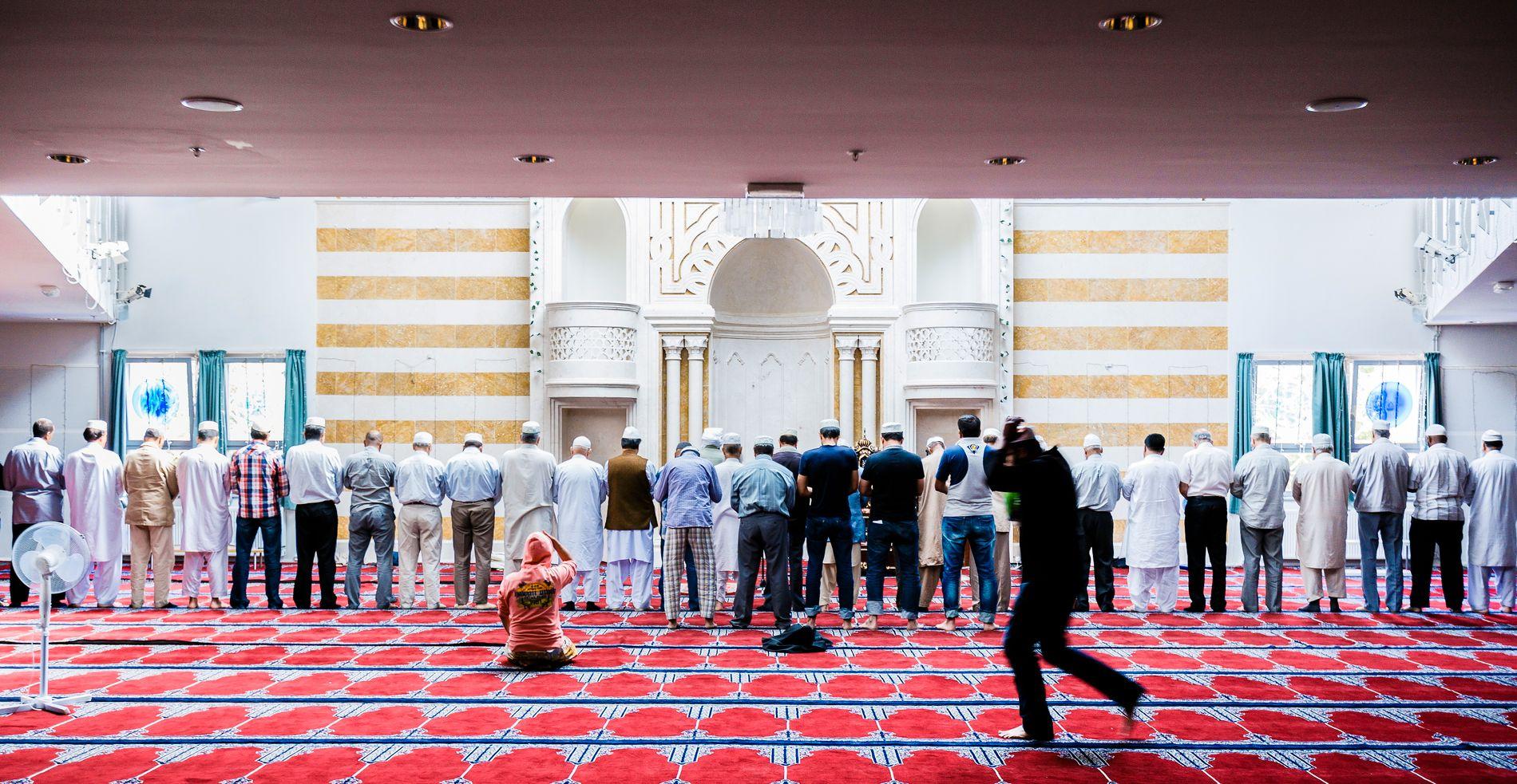 KARTLAGT: Central Jamaat-e Ahl-e Sunnat-moskeen på Grønland i Oslo.