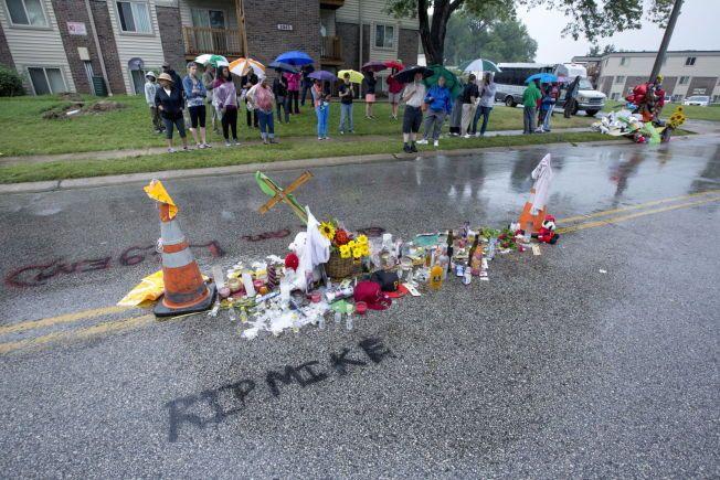 FERGUSON: Her på Canfield Ct. i Ferguson ble 18 år gamle Michael Brown truffet av seks skudd.