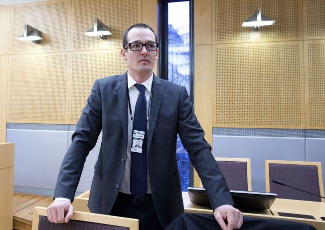 FÅR SE DELER AV BESLAGET: Politiadvokat Asmund Riegels sier til VG at det ennå er usikkert hvor mye av beslaget som ikke blir tilgjengelig for politiet, men at det fortsatt er skjellig grunn til mistanke for de siktede.