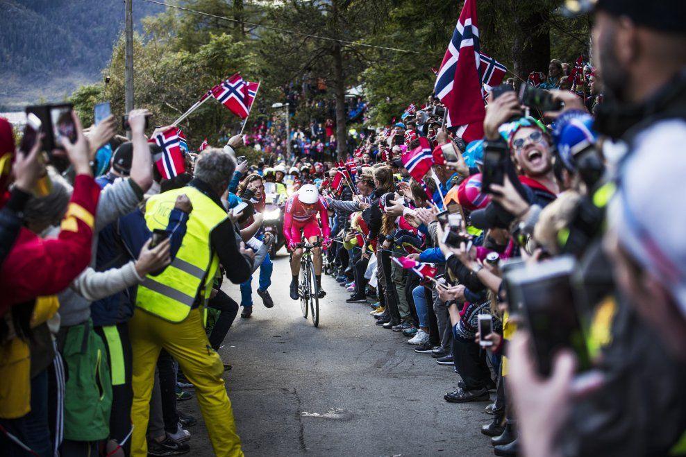 FOLKEFESTEN: Sykkel-VM i Bergen samlet tjukt med folk i løypa, og mange av de utenlandske rytterne har skrytt av atmosfæren og rammen rundt arrangementet.
