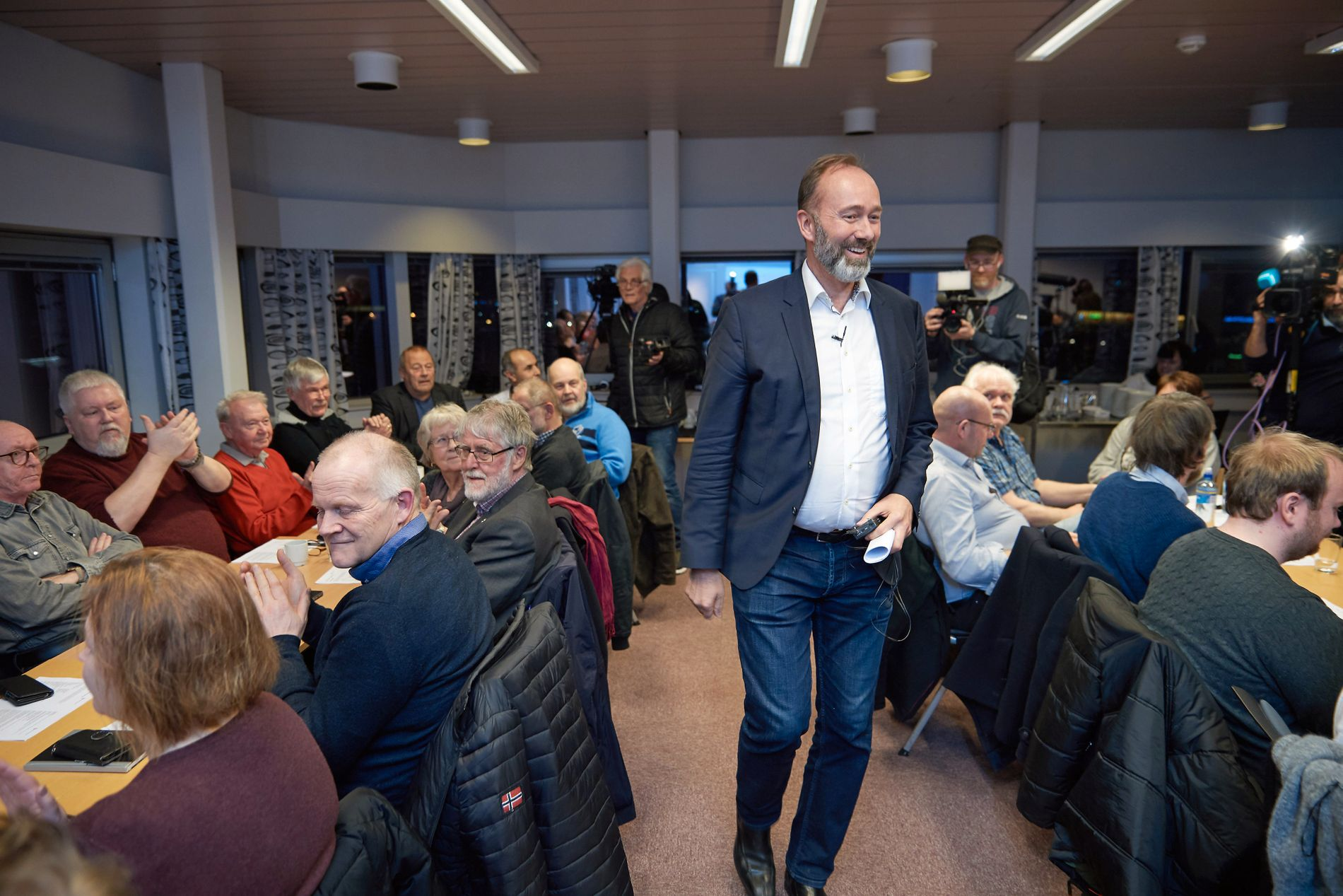 HOS SINE EGNE: Trond Giske ble tatt varmt imot da han gjestet årsmøtet i Steinkjer Ap i mars.