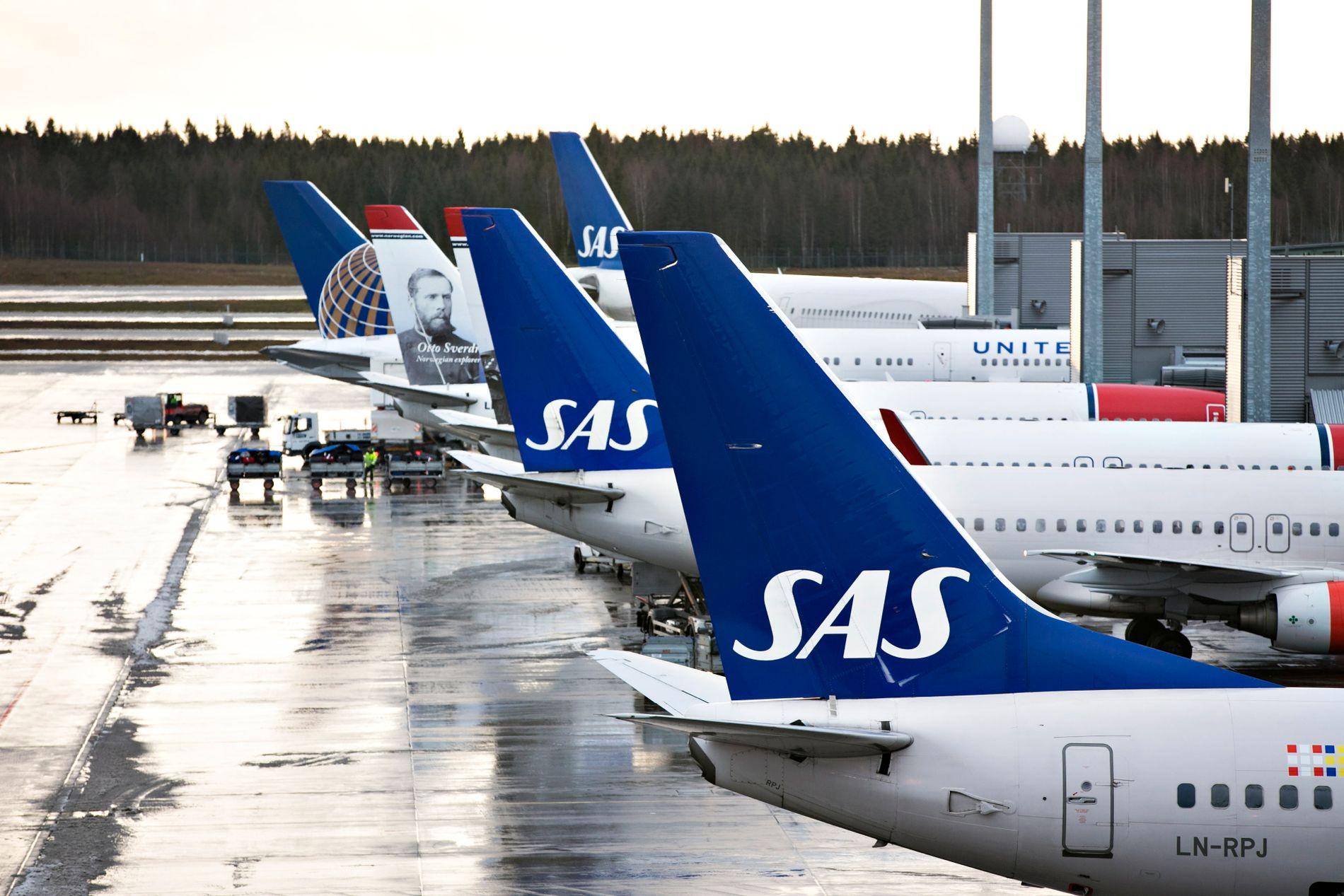 PÅ BAKKEN: 1500 streiker og SAS-maskinene står på bakken.