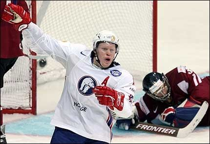 BEHOLDER PLASSEN: Oddsen var imot Norge, men alt gikk Mads Hansen og Norges vei likevel. Foto: EPA Foto: