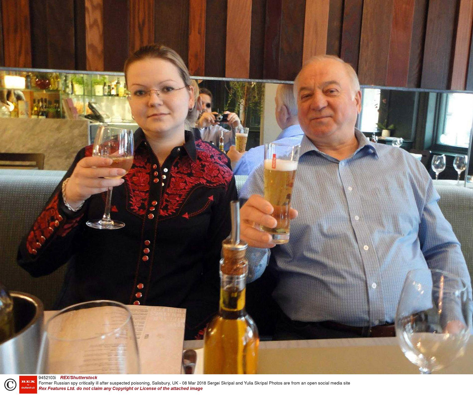 FUNNET BEVISSTLØSE: Den russiske eksspionen Sergei Skripal og datteren Yulia ble funnet bevisstløse i Salisbury 4. mars i år. Etterforskning viste at de var blitt  forgiftet med nervegift.