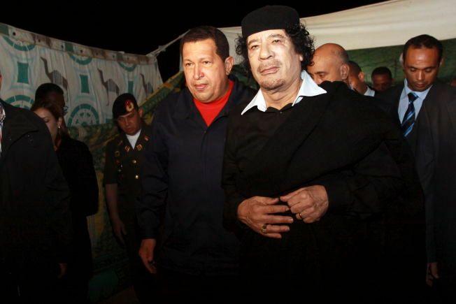 KAOS: – Det er en direkte årsakssammenheng mellom arven etter diktaturet i Libya og dagens kaotiske situasjon, uansett hvor mye en hevder at den internasjonale intervensjonen som veltet ham kunne - eller burde - vært unngått, skriver libyske Ghazi Gheblawi. Bildet er fra høsten 2010, ett år før diktatoren ble styrtet.