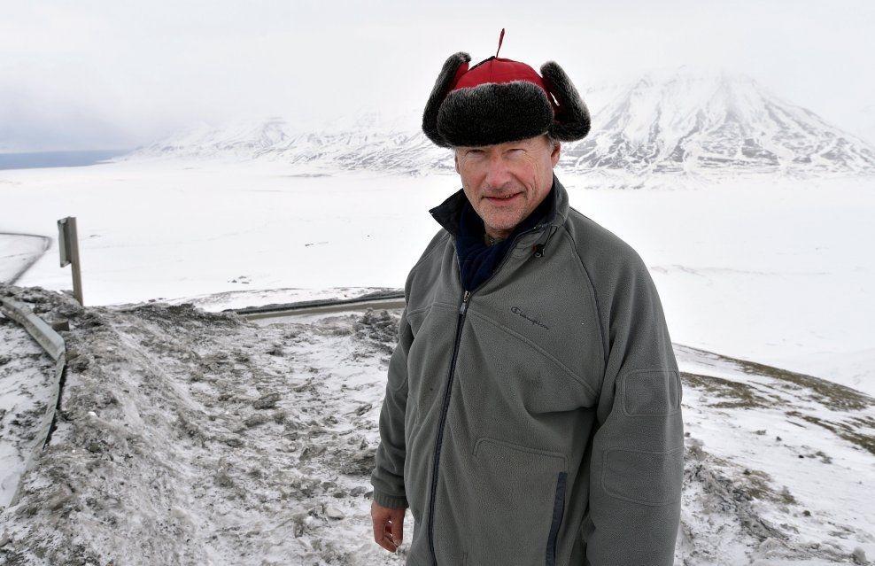 ad105c41 VIL SELGE: Industrimannen, investoren og melkebonden Henning Horn og hans  familie har eid eiendommen Austre Adventfjord på Svalbard i over 70 år.