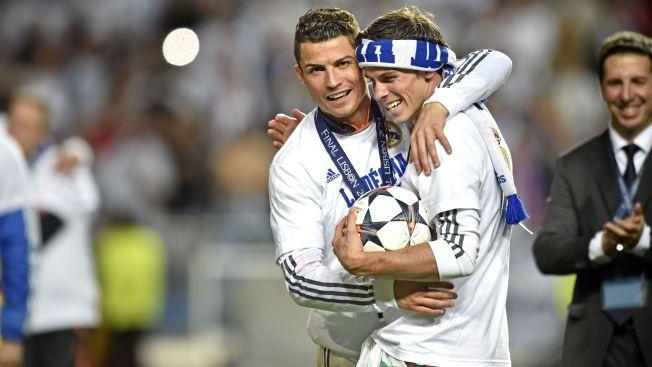 GULL: Gareth Bale var avgjørende i Champions League-finalen mot Atlético i mai. Her feirer han triumfen med Cristiano Ronaldo.