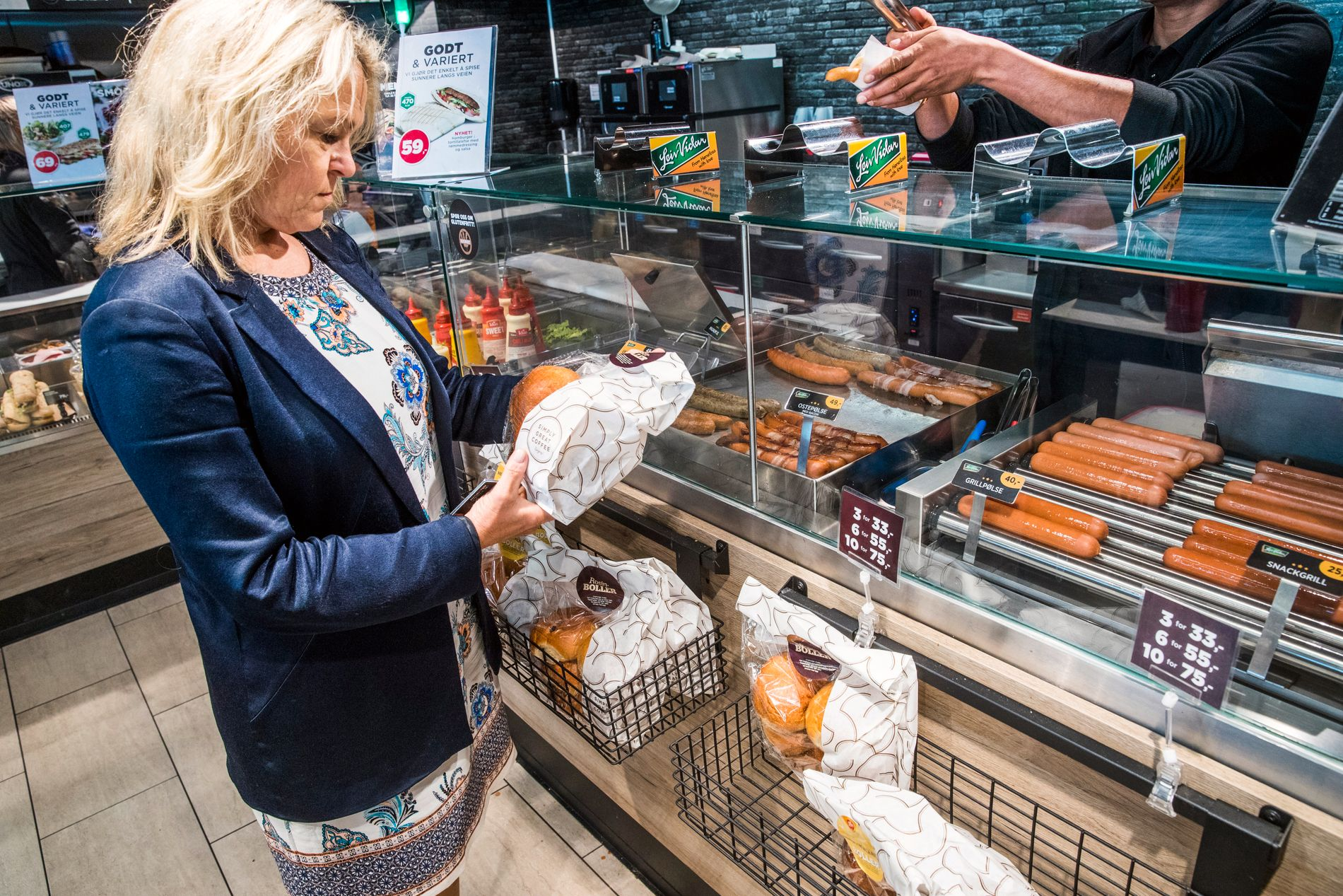 KJØPER IKKE: Folkehelseminister Åse Michaelsen drev bensinstasjon i to år, hvor også hun solgte hamburgere og pølser. Hun vil ikke fraråde folk til å kjøpe det, men sier det er bra med sunne alternativer og valgmuligheter.