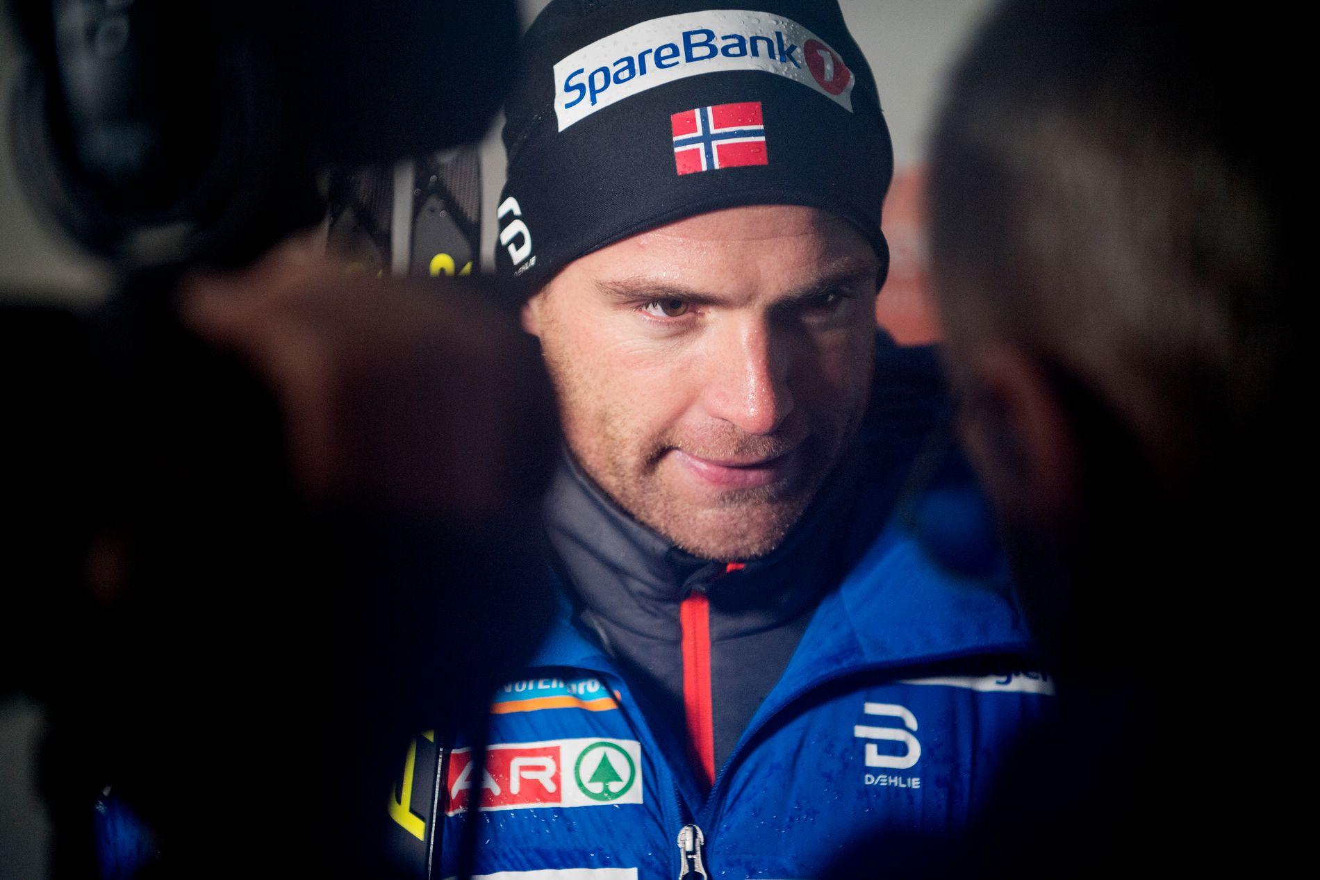 SKUFFET: Niklas Dyrhaug var en skuffet mann etter at skiene brakk to ganger under Tour de Ski i Oberstdorf. Ting har ikke gått på skinner for trønderen denne sesongen.
