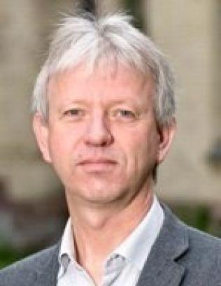 BEKLAGER: – Når fylkeslegen har vurdert at det er uforsvarlig praksis, så beklager vi det, sier sjef ved Klinikk for psykisk helse ved Sørlandet sykehus, Oddvar Sæther.