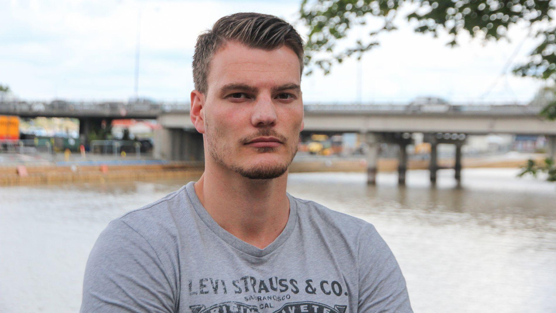 LEI: Fredrik Eriksen er glad for at 16 måneder med daglige oppringninger er over. Nå ønsker han seg en unnskyldning fra Santander.