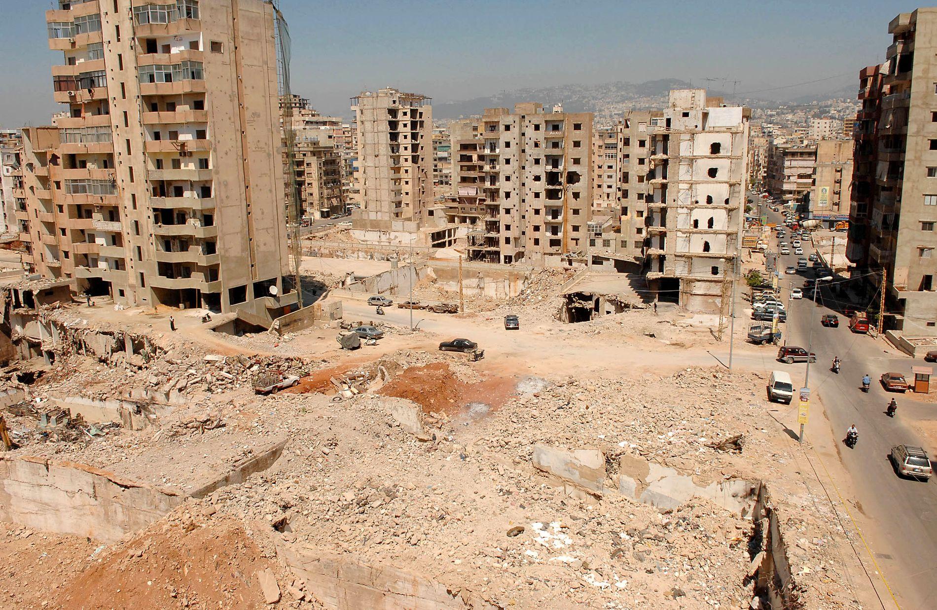BOMBARDERT: Slik så deler av Dahieh ut etter krigen mellom Hizbollah og Israel i juli 2006.