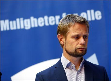 REAGERER PÅ SELVMORDSTALL: Bent Høie (H) mener antall selvmord kunne vært lavere. Foto: Lise Åserud, NTB SCANPIX
