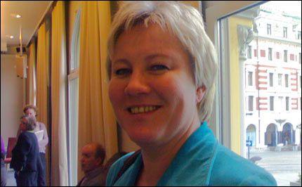 VIL HEVE AVGIFTENE: Generalsektrær Anne-Karin Kolstad i Actis mener den eneste måten å stanse ungdoms rusbruk er å heve avgiftene. Foto: Anne Vinding