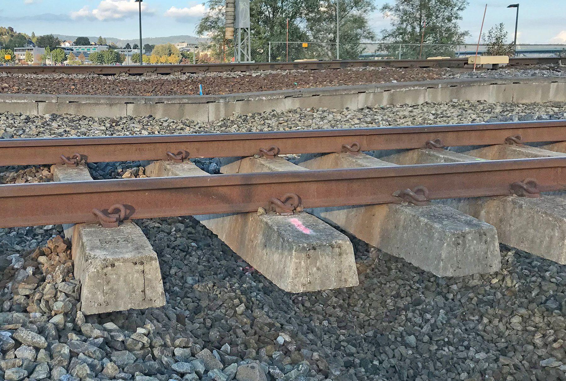 Toget mellom Drammen og Asker har vært innstilt siden onsdag ettermiddag på grunn av utgliding av masser  i forbindelse med byggearbeider. Arbeidene vil trolig pågå utover torsdagen.