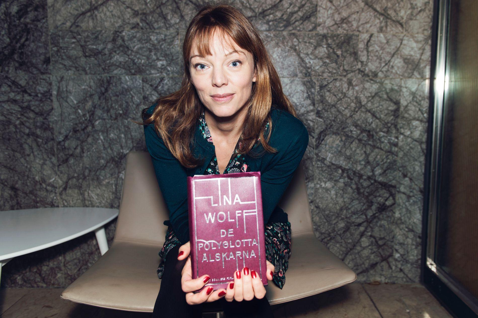 INTELLEKTUELL PAGETURNER: Lina Wolffs «De polyglotte elskerne» ble kåret til årets svenske roman i 2016 - og VGs anmelder mener hun har skrevet noe så sjeldent som en intellektuell pageturner. Wolff debuterte i 2009 med en novellesamling og utga i 2012 romanen «Bret Easton Ellis och de andra hundarna».