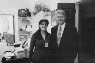PÅ JOBB: Monica Lewinsky i Det hvite hus etter å ha fått jobb som president Bill Clintons assistent i 1995.