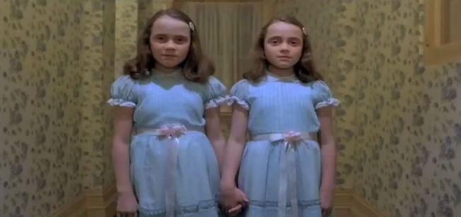SPILTE GJENFERD: Lisa (t.v.) og Louise Burns i en fryktinngytende scene fra «Ondskapens Hotell» i 1989.