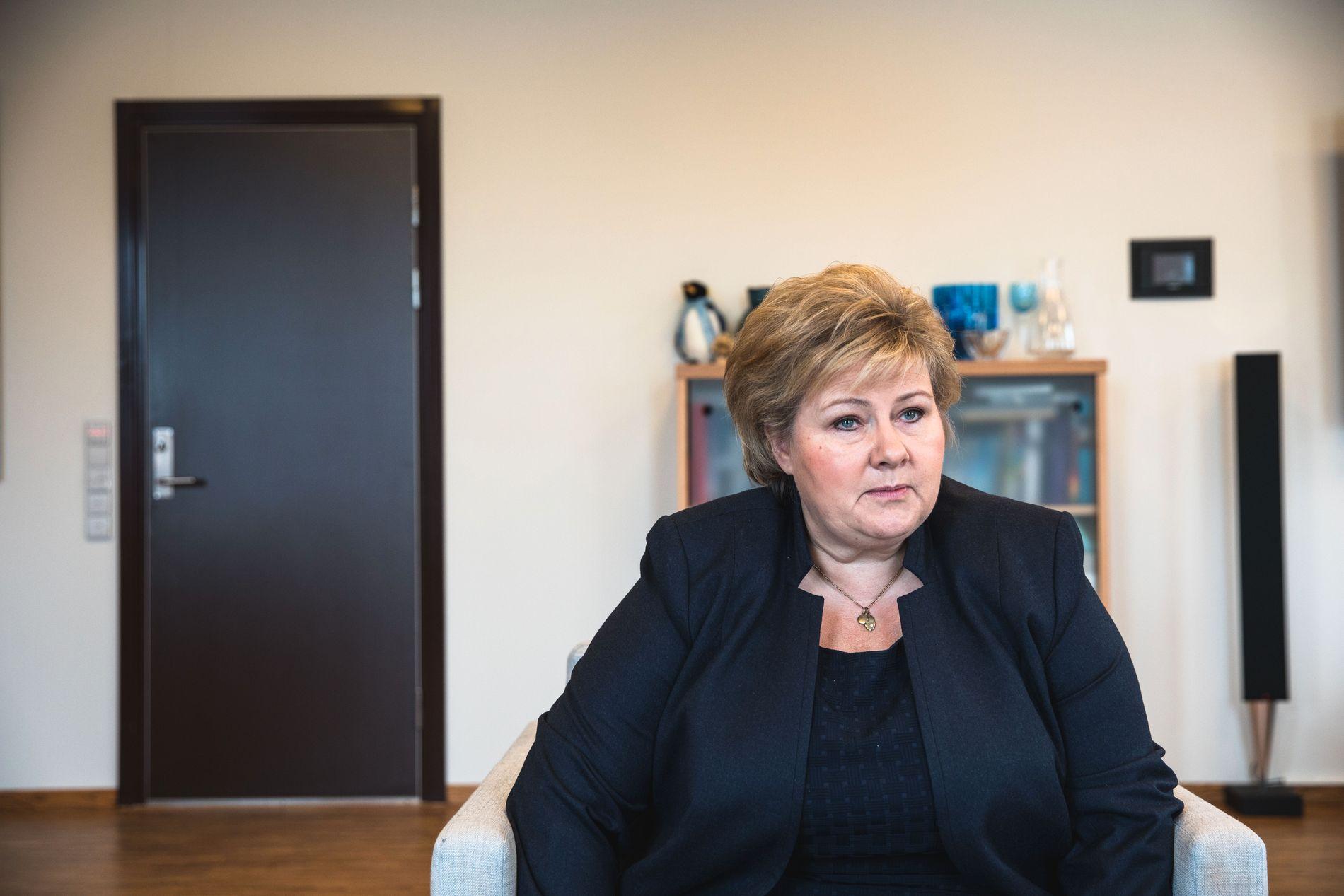 BEKYMRET: Erna Solberg ser med bekymring på økt vaksinemotstand i Norge og Europa.