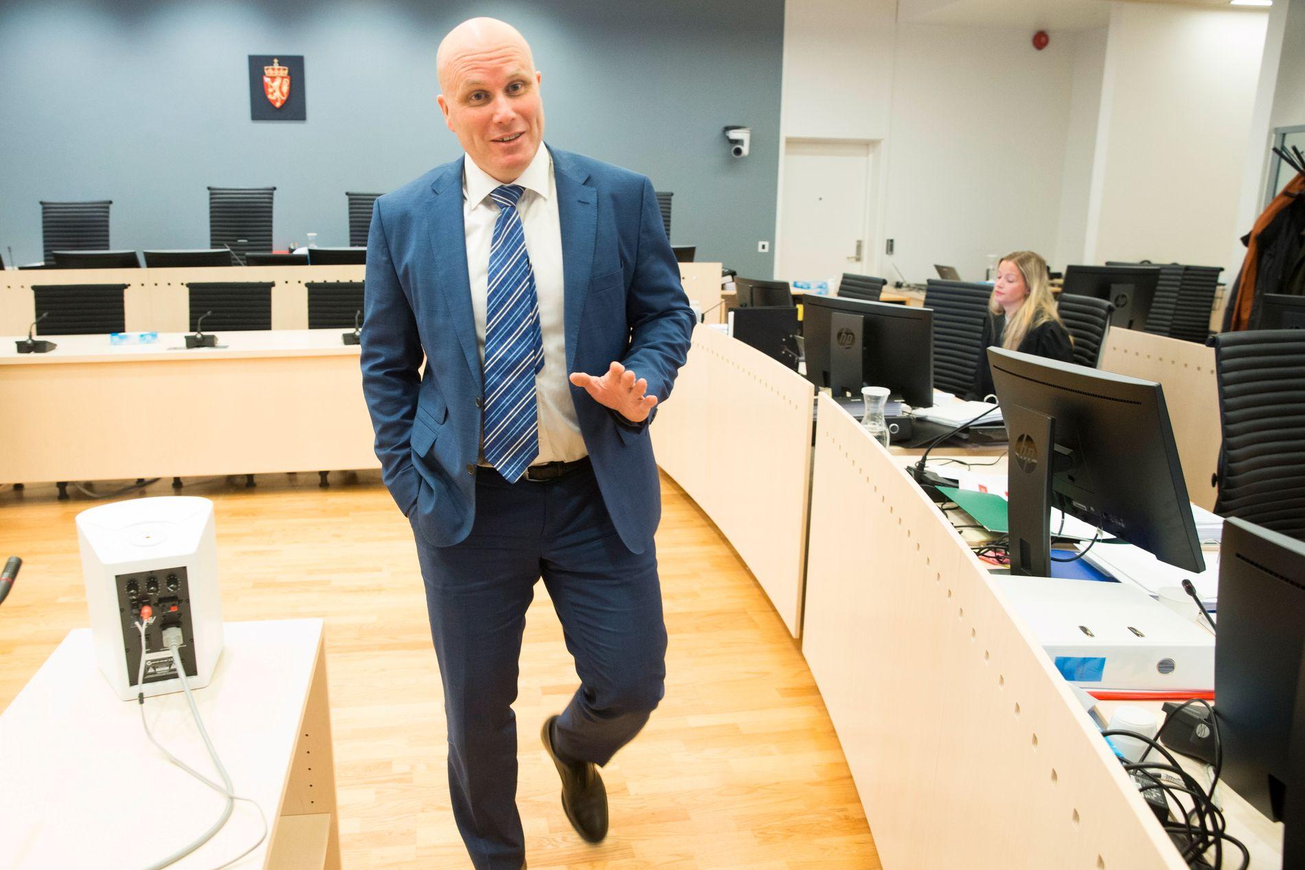 AKTOR: Statsadvokat Lars Erik Alfheim er ansvarlig for hasj-tiltalen mot Gjermund Cappelen, men fikk også muligheten til å stille Eirik Jensens noen spørsmål mandag.