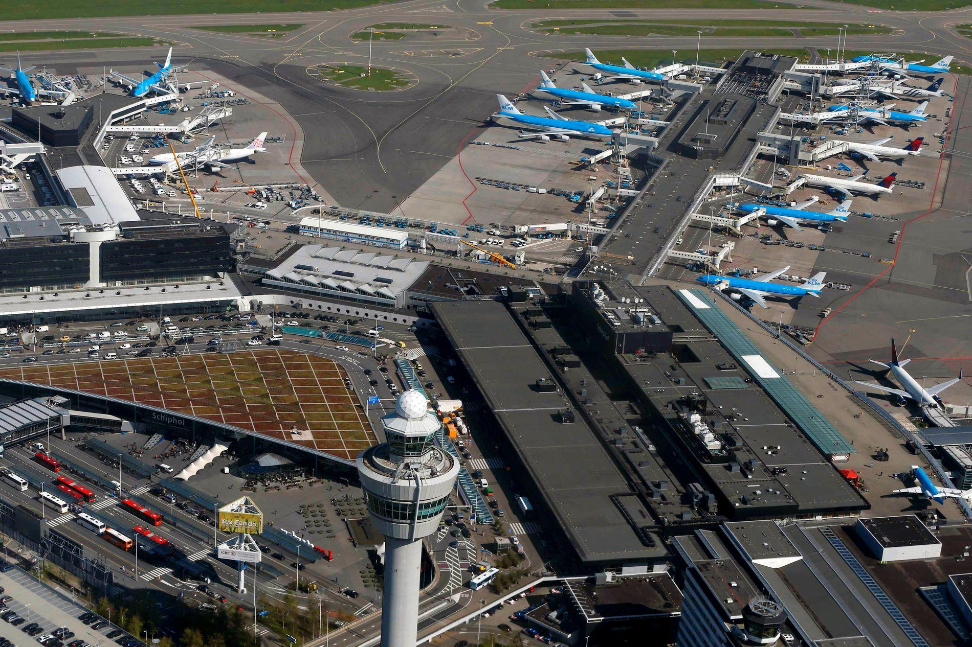 SENDT TILBAKE HIT: Påtalemyndigheten skriver at kvinnen etter hendelsen ble sendt tilbake til Schiphol flyplass i Nederland.